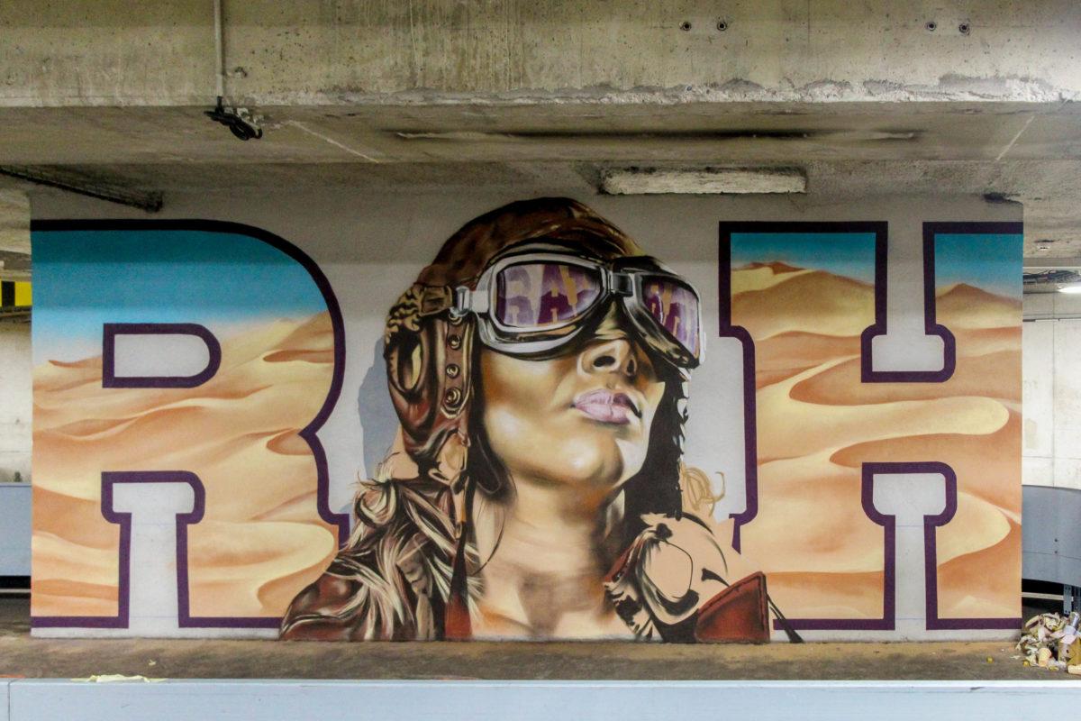 fresque-aviateur-street-art